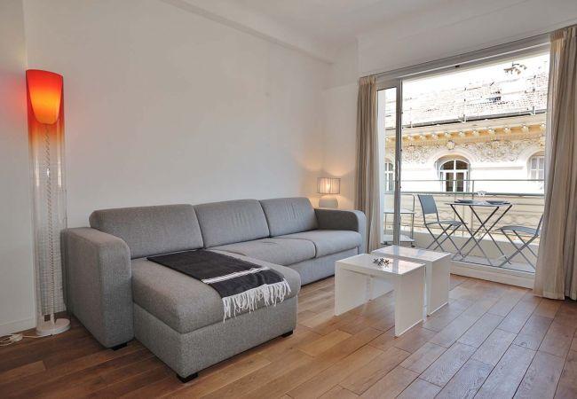 Appartement à Nice - BBB G Balcon Clio Grimaldi Promenade Anglais