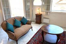 Appartamento con 2 camere da letto situato nel cuore del centro storico ea 5 minuti a piedi dalle spiagge.