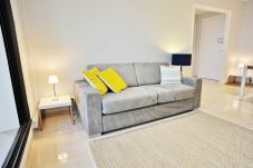 Quiet and ideally located 2-room apartment in the heart of the City and 5 minutes' walk from the Beaches